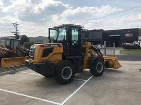SUMMIT 925 103HP 5.3T WHEEL LOADER with 4 in 1 bucket & fork - picture2' - Click to enlarge