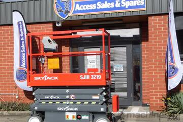 SKYJACK SJIII 3219 ELECTRIC SCISSOR LIFT