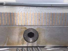 Magnetic Fine Pole Chuck - Size 450mm x 200mm x 65mm. Magnetic Force (N) 120. - picture3' - Click to enlarge