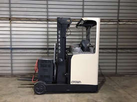Crown Misc Reach Forklift Forklift - picture1' - Click to enlarge