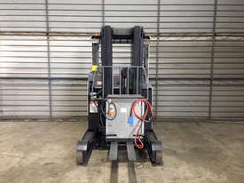Crown Misc Reach Forklift Forklift - picture2' - Click to enlarge