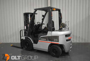 Nissan 2.5 Tonne Forklift 4 Hydraulic Functions Fork Positioner LPG EFI New Steer Tyres