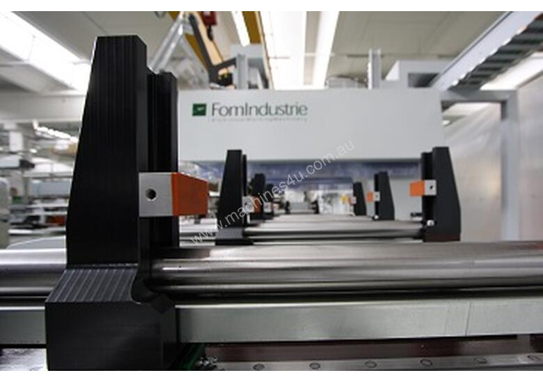 FOM TITAN 5 AXIS CNC Machining Centre