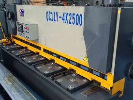 CMT 4MM X 2500MM HYDRAULIC GUILLOTINE PRICE CUT! - picture0' - Click to enlarge