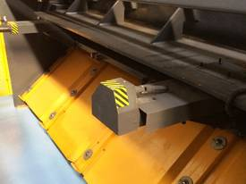 CMT 4MM X 2500MM HYDRAULIC GUILLOTINE PRICE CUT! - picture4' - Click to enlarge