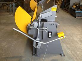 2470mm x 4mm Australian made hydraulic panbrake fo - picture3' - Click to enlarge