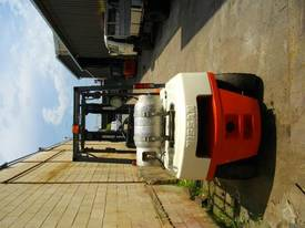 Nissan 3.0 Tonne forklift - picture3' - Click to enlarge