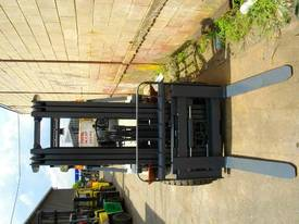 Nissan 3.0 Tonne forklift - picture4' - Click to enlarge