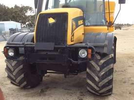 JCB FASTRAC 3185 FWA/4WD Tractor - picture2' - Click to enlarge