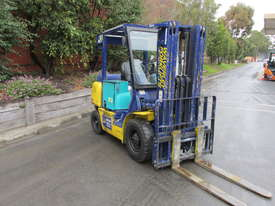 Komatsu FD20T-12 - picture4' - Click to enlarge