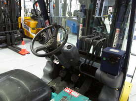 Komatsu FD20T-12 - picture7' - Click to enlarge