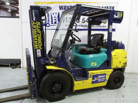 Komatsu FD20T-12 - picture17' - Click to enlarge
