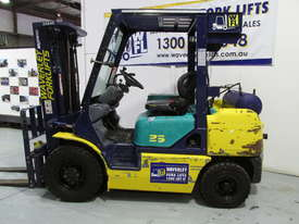 Komatsu FD20T-12 - picture18' - Click to enlarge