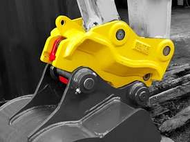 ELITE TwinLOCK Quick Hitch to suit 7T - 10T - picture0' - Click to enlarge