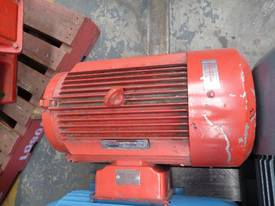 GEC 30HP 3 PHASE ELECTRIC / 1450RPM - picture1' - Click to enlarge
