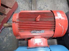 GEC 30HP 3 PHASE ELECTRIC / 1450RPM - picture0' - Click to enlarge