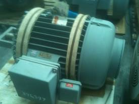 75kw 6 pole 415v AC Electric Motor - picture0' - Click to enlarge