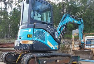 2013 3.8T Airman Mini Excavator with Attachments