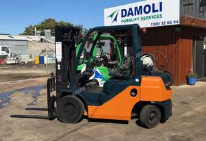 2.5 Tonne Container Mast Toyota Forklift