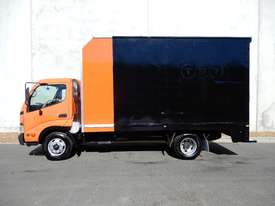 Hino 616 - 300 Series Hybrid Pantech Truck - picture1' - Click to enlarge