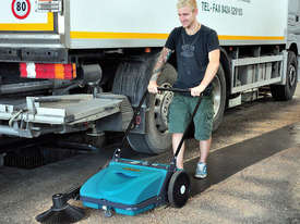 ASC ME Manual Sweeper - 10 times faster than a man with a broom - picture5' - Click to enlarge