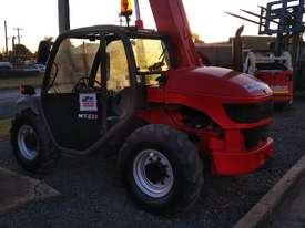 MANITOU TELEHANDLER MT523 - picture3' - Click to enlarge