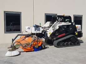 New Tuchel Sweeper Broom Attachment for Skid Steers Forward Moving Bucket Broom - picture3' - Click to enlarge