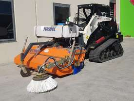 New Tuchel Sweeper Broom Attachment for Skid Steers Forward Moving Bucket Broom - picture6' - Click to enlarge