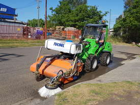 New Tuchel Sweeper Broom Attachment for Skid Steers Forward Moving Bucket Broom - picture7' - Click to enlarge