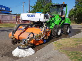 New Tuchel Sweeper Broom Attachment for Skid Steers Forward Moving Bucket Broom - picture8' - Click to enlarge