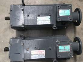 1.5 kw 2 hp 1500 rpm 180 volt 80L frame DC Electric Motor - picture0' - Click to enlarge