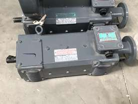 1.5 kw 2 hp 1500 rpm 180 volt 80L frame DC Electric Motor - picture2' - Click to enlarge