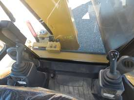 Unused 2018 CAT 432F2 Eco Turbo Powershift Backhoe Loader - picture15' - Click to enlarge