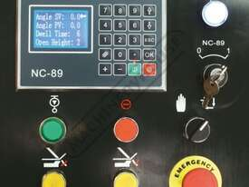 PB-825A Hydraulic NC Panbrake - NC-89 Control 2500 x 2.5mm Mild Steel Bending Capacity - picture4' - Click to enlarge