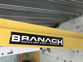 Branach Fiberglass & Aluminum Extension Ladder 3.3 to 5.2 Meter Industrial Quality - picture3' - Click to enlarge