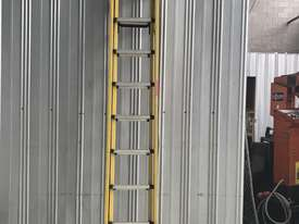 Branach Fiberglass & Aluminum Extension Ladder 3.3 to 5.2 Meter Industrial Quality - picture9' - Click to enlarge
