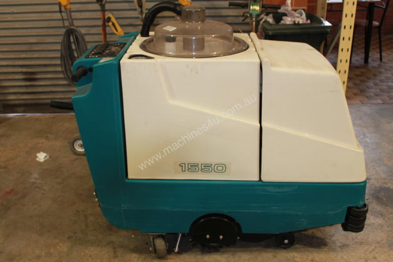 TENNANT 1550 SELF PROPELLED CARPET EXTRACTOR