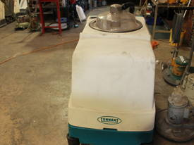 TENNANT 1550 SELF PROPELLED CARPET EXTRACTOR - picture2' - Click to enlarge