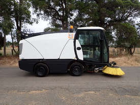 MacDonald Johnston CN201 Sweeper Sweeping/Cleaning - picture2' - Click to enlarge