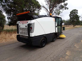 MacDonald Johnston CN201 Sweeper Sweeping/Cleaning - picture3' - Click to enlarge