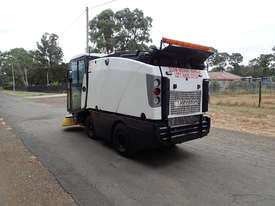 MacDonald Johnston CN201 Sweeper Sweeping/Cleaning - picture4' - Click to enlarge