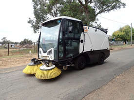 MacDonald Johnston CN201 Sweeper Sweeping/Cleaning - picture6' - Click to enlarge