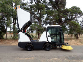 MacDonald Johnston CN201 Sweeper Sweeping/Cleaning - picture7' - Click to enlarge