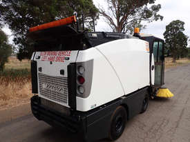 MacDonald Johnston CN201 Sweeper Sweeping/Cleaning - picture17' - Click to enlarge