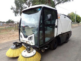 MacDonald Johnston CN201 Sweeper Sweeping/Cleaning - picture19' - Click to enlarge