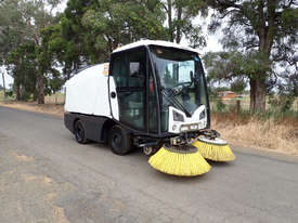 MacDonald Johnston CN201 Sweeper Sweeping/Cleaning - picture0' - Click to enlarge