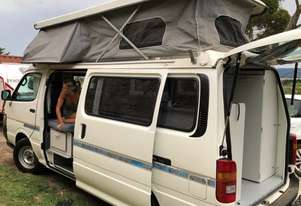 CAMPERVAN TOYOTA 3 Speed AUTOMATIC HI ACE