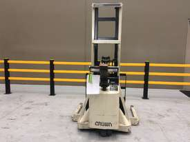 Electric Forklift Walkie Stacker M Series 1984 - picture0' - Click to enlarge