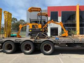 2019 UHI MACHINERY MINI EXCAVATOR UME10 950KG WITH 6 BUCKETS - picture0' - Click to enlarge