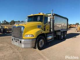 2010 Mack CMMR - picture2' - Click to enlarge